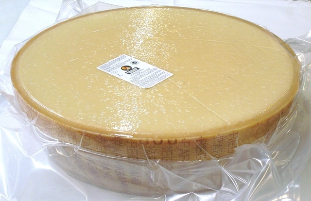 Parmigiano Reggiano tag. Panino Scelto 01 12-13 mesi